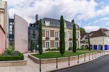 Musee d'Art et d'Histoire Louis Senlecq, L'Isle-Adam, France