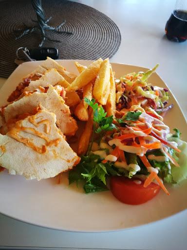 Canela Coffee Shop/Restaurant