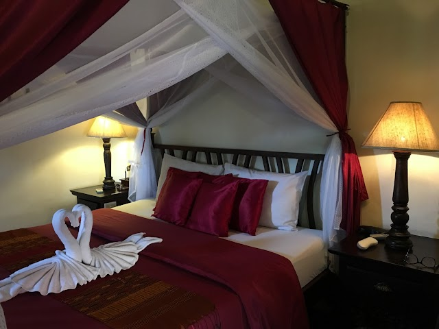 Tri Yaan Na Ros Colonial House Hotel