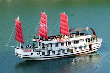 Bien Ngoc cruises, Halong Bay, Vietnam