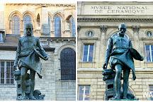 Statue de Bernard Palissy, Paris, France