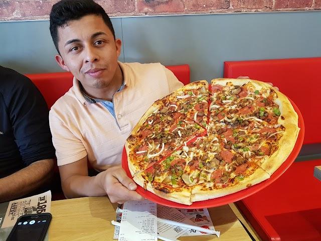 Pizza Hut Carlos V