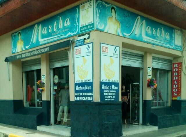 Bordados de Cartago El Outlet de Martha calle 6 # 4-75 con el Sello de Calidad Hecho a Mano.