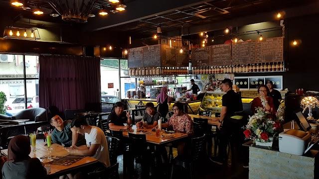 Seventy One Cafe