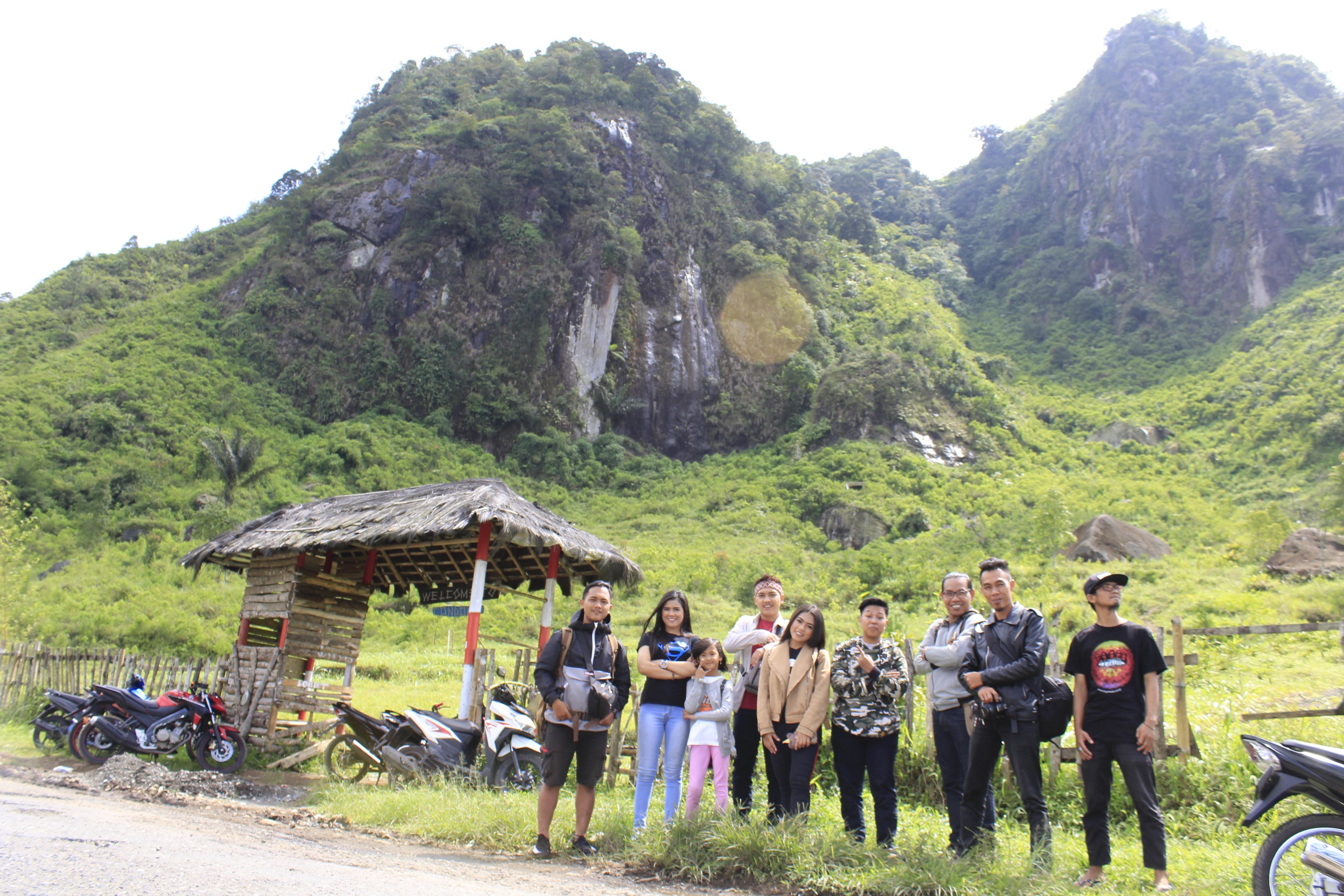 Tebing Condong Pelangi