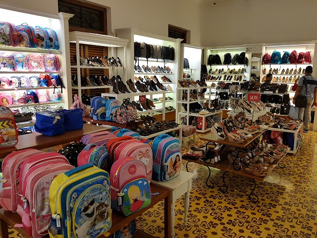 Rumah Mode Factory Outlet