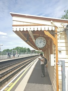 East Acton Station london