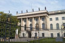 Denkmal Hermann von Heimholtz, Berlin, Germany