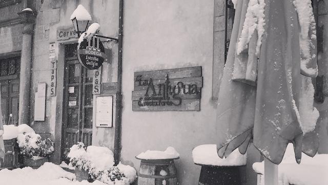 La Antigua Cafe Lounge & Restaurante