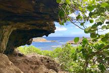 Playa La Cueva Las Golondrinas, Manati, Puerto Rico