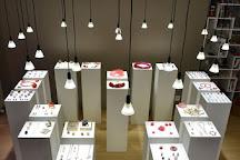 Caractere, atelier galerie bijoux et objets contemporains, Neuchatel, Switzerland