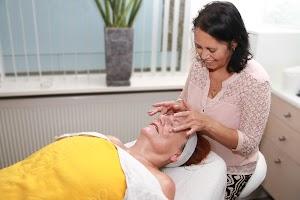 Elvire Nesselaar schoonheidsspecialiste - huidverbetering voor hem & haar centrum Tilburg