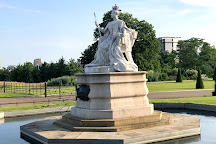 Queen Victoria Statue - Kensington, London, United Kingdom