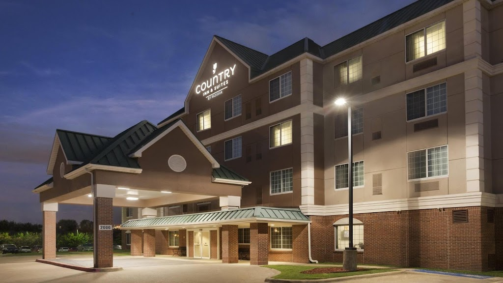Country Inn & Suites DFW