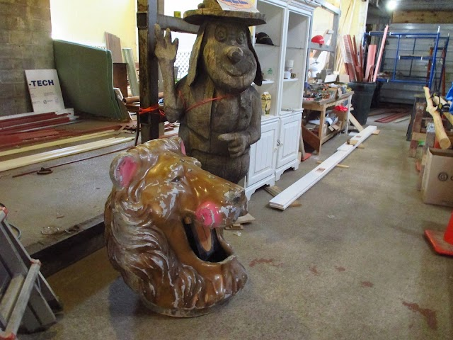 Benson's Wild Animal Farm Museum & Gift Shop