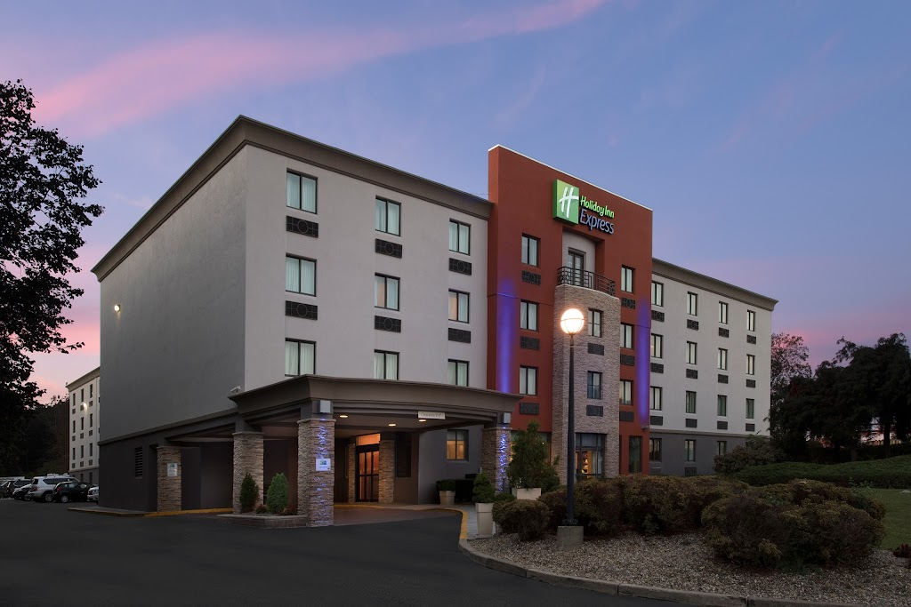 Holiday Inn Express Saugus Boston Logan Airport