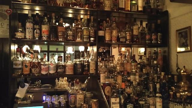 Room Cafe Bar