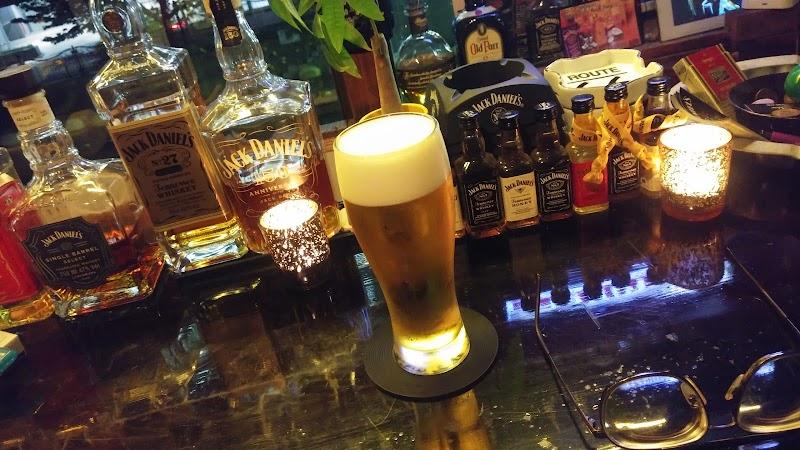 Bar & Gig Smoky