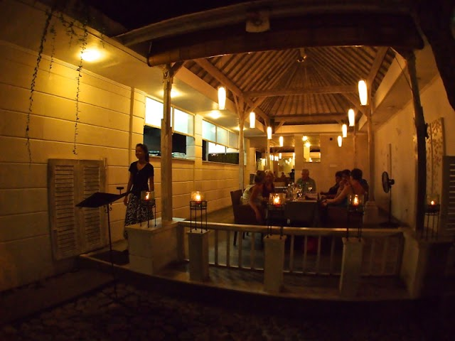 Kayu Manis Cafe & Home Stay
