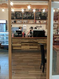 MontCafe Coffee Shop - Milenia 9