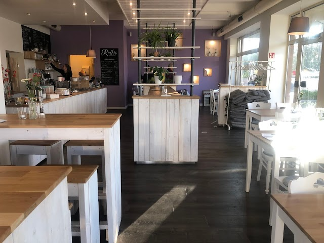 Ruthis - Cafe & Bistro
