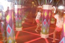 Backstage Mirror Maze, Myrtle Beach, United States