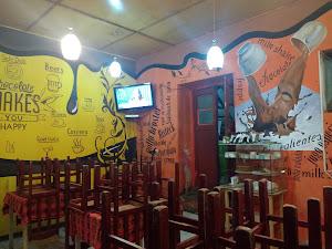Brujhas Snack Cafe 3