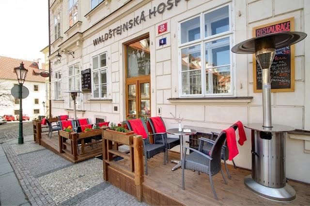 Adventurer Cafe Bar Private Traveller's Club