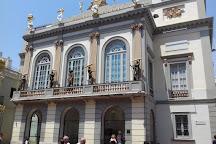 Placa Gala-Salvador Dali, Figueres, Spain