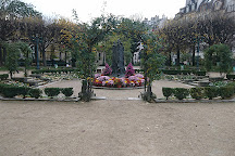 Square Rene Viviani, Paris, France