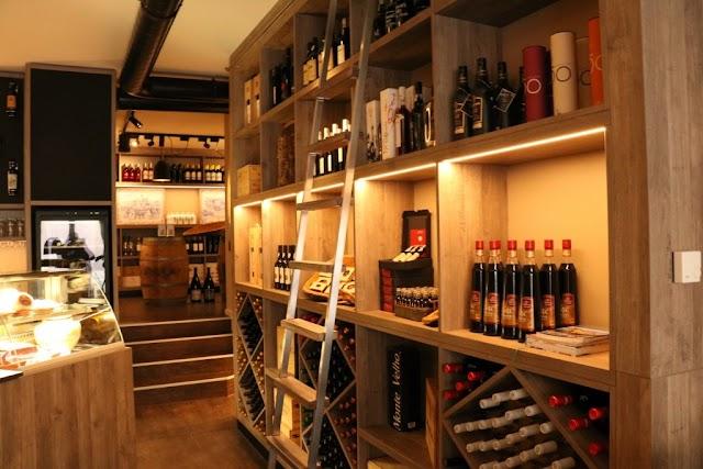 Adega Nau Weinbar & -Verkauf