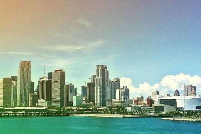Wide Angle Tours, Miami, United States