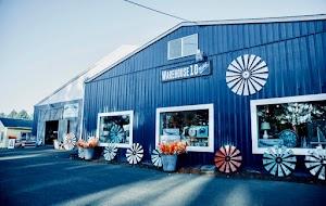 Warehouse 10 Market in Twin Rocks, OR