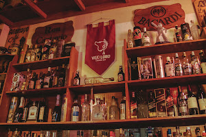Viejo Lobo Lounge Bar 1