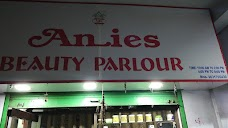 Anies Beauty Parlour jamshedpur