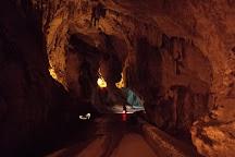 Cuevona de Cuevas, Ribadesella, Spain