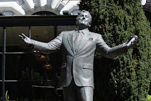 Tony Bennett Statue, San Francisco, United States