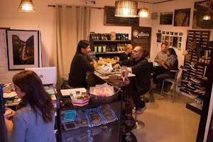 Qallarix Coffee & Market 5
