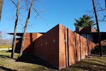 Frank Lloyd Wright House in Ebsworth Park, Kirkwood, United States
