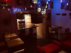 Lobos Barber Bar 2