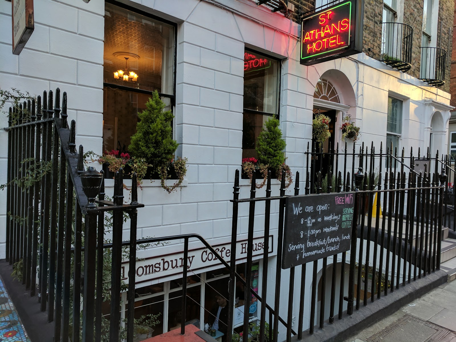 Bloomsbury Coffee House: A Work-Friendly Place in London