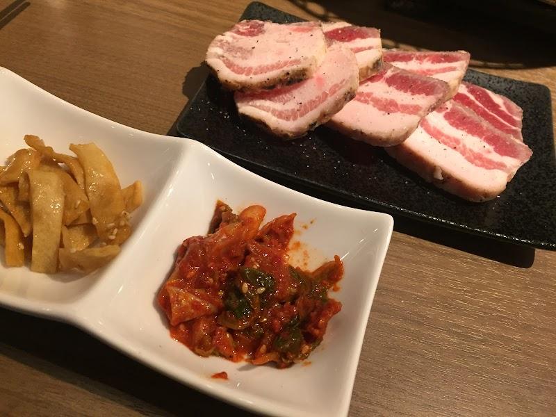 炭火焼肉・韓国料理 KollaBo(コラボ) 新大久保店