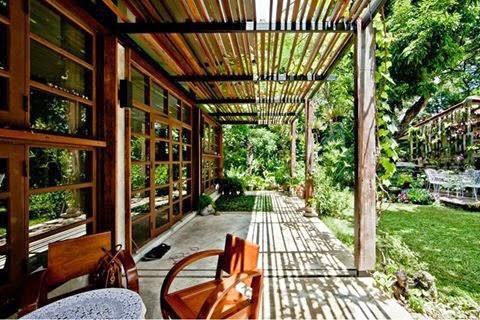 บริษัท พอ สถาปัตย์ จำกัด : POAR (Patchara + Ornnicha Architects)