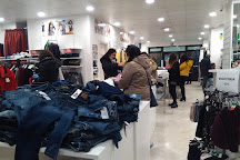 Visit Secondavia Outlet on your trip to Reggio Calabria or Italy