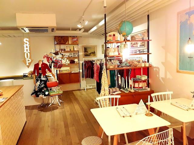 Luckymonkey Shop & Cafe