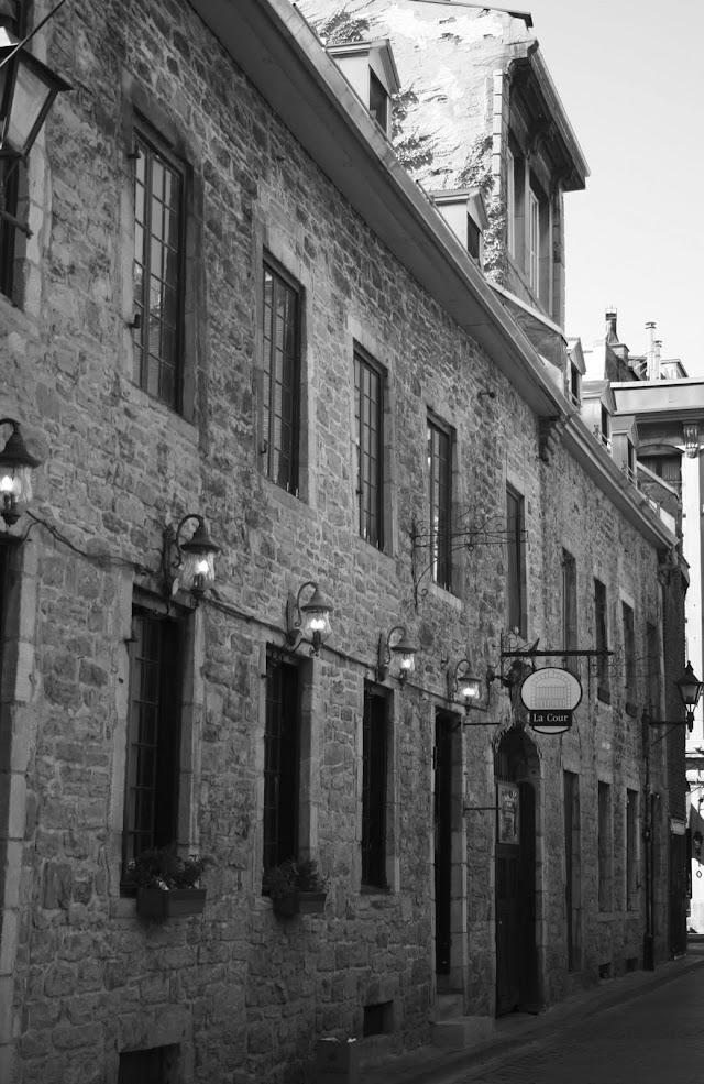 La Cour des Arts du Vieux-Montreal
