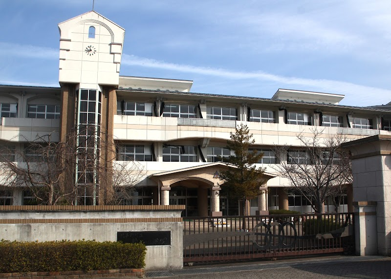 紀美野町立野上小学校