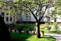 Rosiers-Joseph Migneret Garden, Paris, France