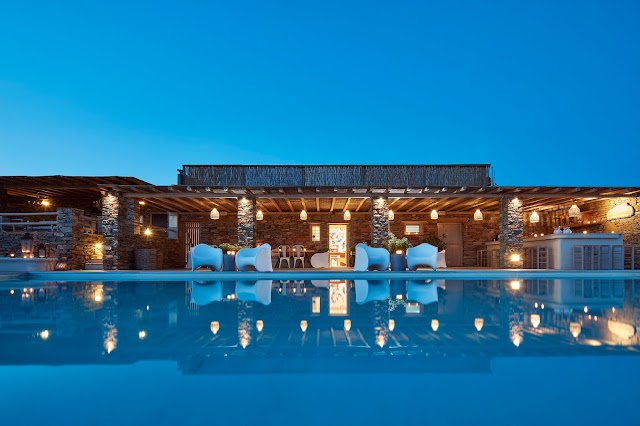 Diles & Rinies | Luxury Villas with Hotel Services