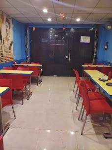 Crown's Pizza Kasur